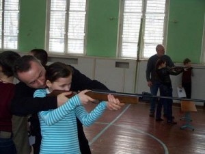 Учитель начальной военной подготовки без промаха подстрелил ученика