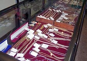 В Запорожье ограблен ювелирный отдел торгового центра