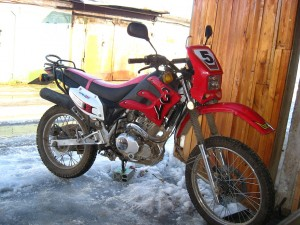 В Запорожье мотоциклист сбил девушку