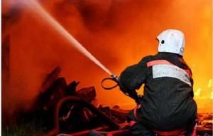 В Киеве горит пятиэтажка