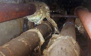 В Запорожье бомжи чуть не спалили теплотрассу