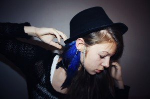 black-blue-cross-girl-piercing-punk-Favim.com-107623