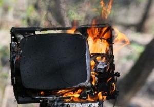 В Запорожской области при пожаре спасли пенсионерку
