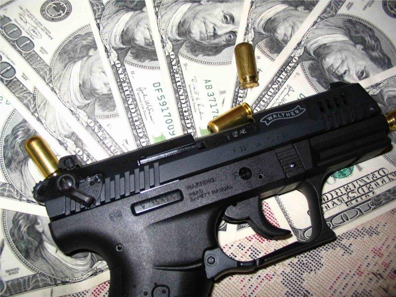 В Крыму под пытками бандиты раскрутили родственника на $ 20 000
