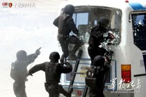 На Полтавщине спецназ штурмовал маршрутку