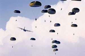 Под Черниговом разбился парашютист