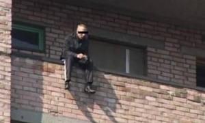 В Николаеве мужчина, выпрыгнувший с третьего этажа, погиб из-за своего веса
