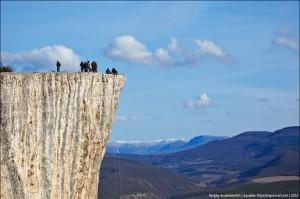 Еще один запорожский турист сорвался со скалы в Крыму
