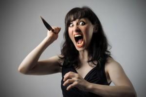 На Луганщине юная разбойница с ножом напала на милиционеров