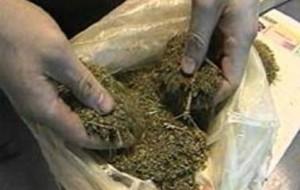 Мужчина прикупил сейф, в котором оказалось... более центнера марихуаны