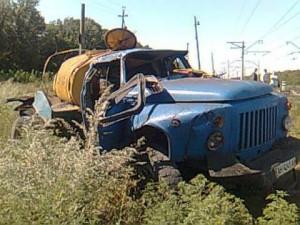 В Одесской области поезд сбил молоковоз