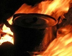 В Запорожской области два мужика едва не угорели, готовя обед