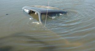 "На Черниговщине набитая пассажирами ""семерка"" ушла под воду"