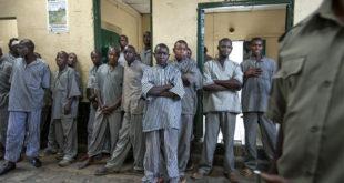 В канадских тюрьмах вместо специй арестантам давали мочу, сопли и кал охранников