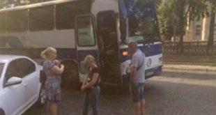 В центре Днепропетровска вооруженная банда остановила автобус и ограбила всех пассажиров