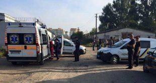 Сотни боевиков попытались захватить предприятие в Киеве